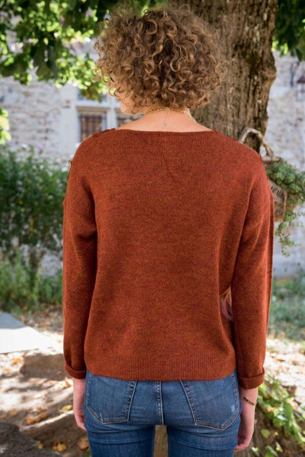 pull couleur camel